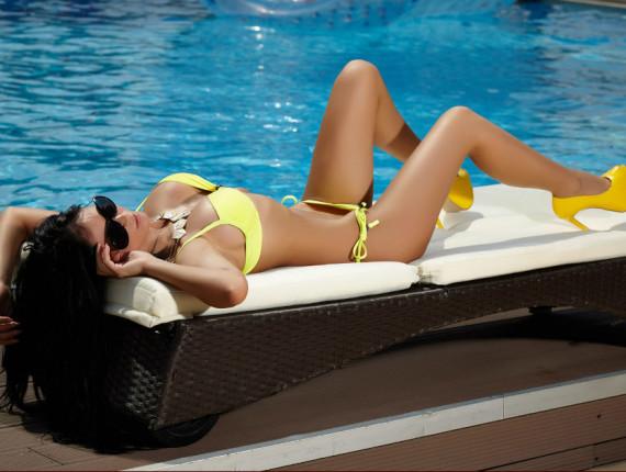 cam girl at pool